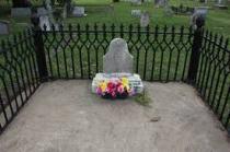 Diamond_Bessie_Grave